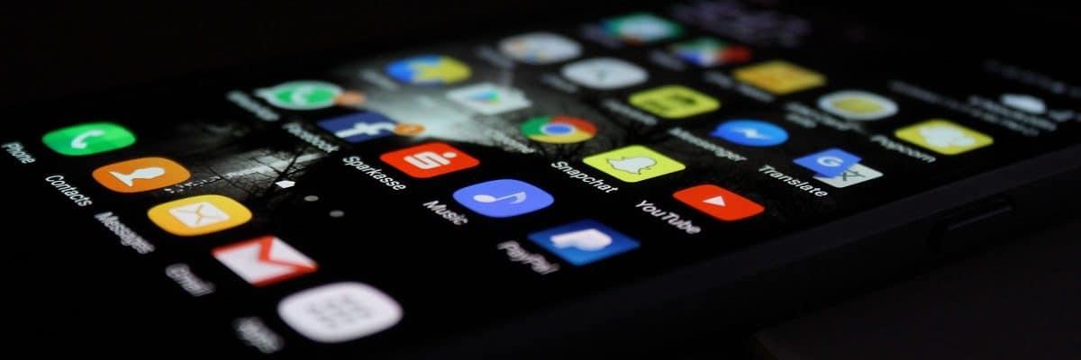 Bild vom Hoemscreen mit den Apps von einem Smartphone